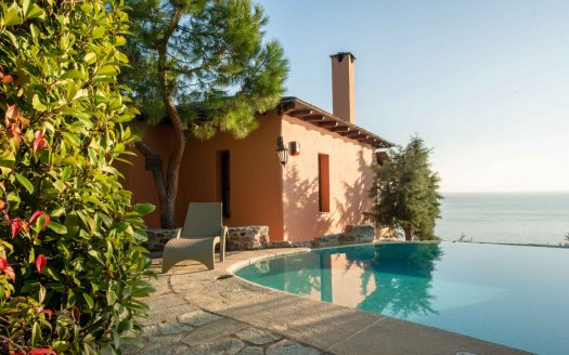 Double villa in Pilion private pool view